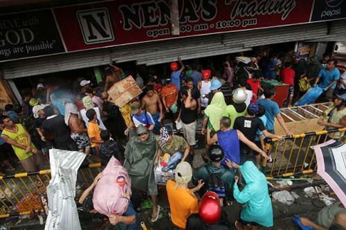 typhoon-yolanda-tacloban-epa-20131110-007